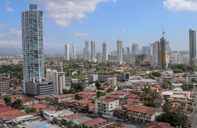 Vista-de-ciudad-de-Panamá-690x450.png